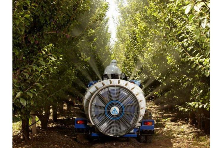 Machines d'entretien et de protection des arbres
