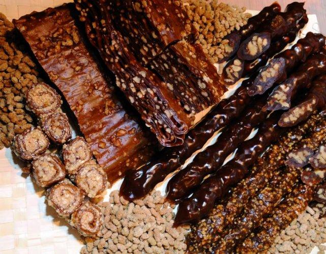 Pestil ( Pulpe de fuits séchée) & Churchkhela